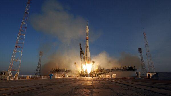 Старт космического корабля Союз ТМА-19М с космодрома Байконур - Sputnik Latvija