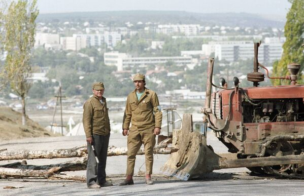Охрана пункта патрульно-постовой службы при въезде в Гагаузию - Sputnik Latvija