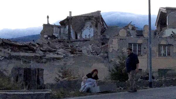Последствия землетрясения в Италии. Фото с места события - Sputnik Latvija