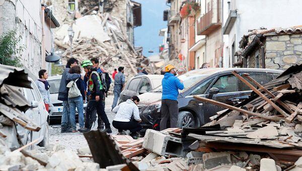 Последствия землетрясения в итальянском городе Аматриче - Sputnik Latvija