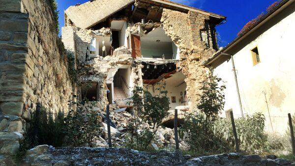 Последствия землетрясения в Италии - Sputnik Latvija