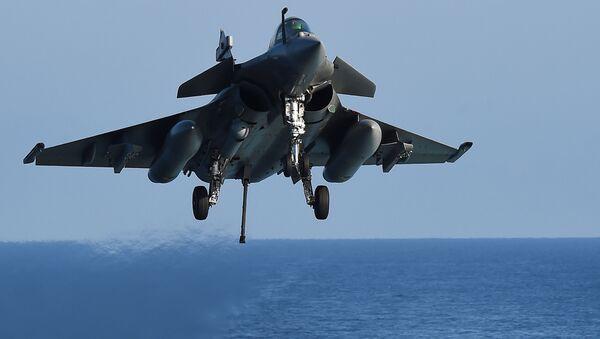 Franču daudzmērķu iznīcinātājs Rafal Vidusjūrā. Foto no arhīva - Sputnik Latvija