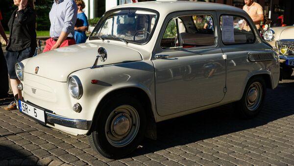 ЗАЗ-965 Запорожец — советский микролитражный автомобиль - Sputnik Latvija