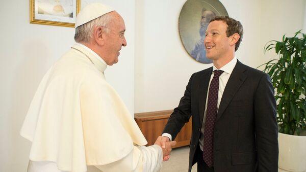 Встреча Папы Римского и Марка Цукерберга - Sputnik Латвия