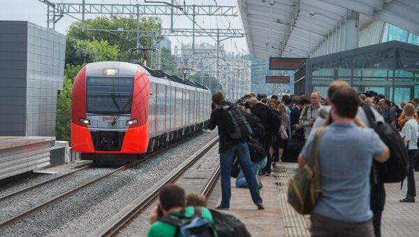 Тестовая поездка электропоезда Ласточка - Sputnik Латвия