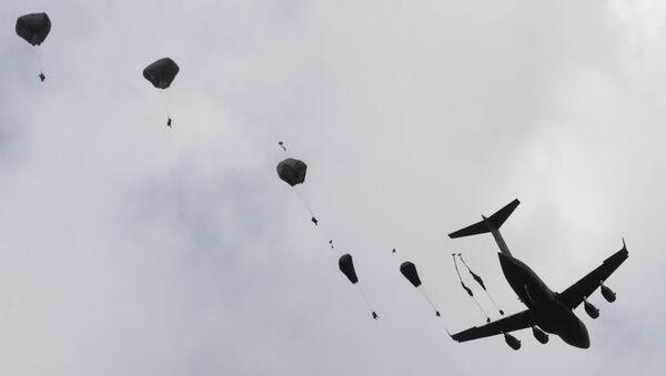 Американский десант во время учений Bayonet Strike в Адажи - Sputnik Latvija