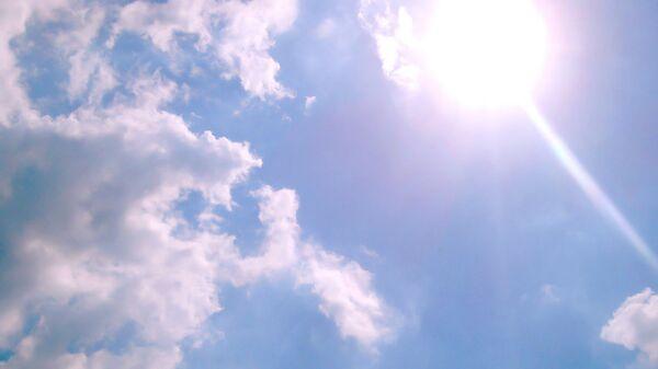 Солнце в небе - Sputnik Latvija