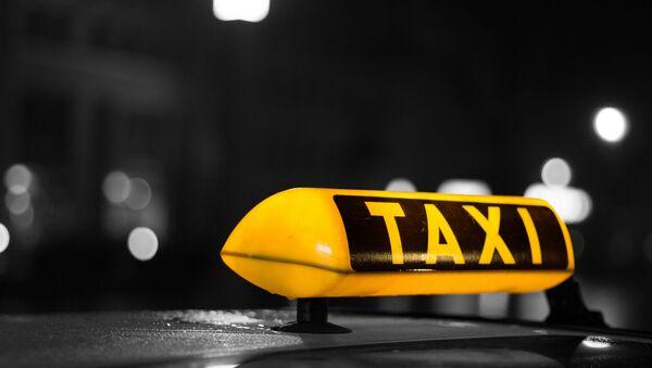 Автомобиль такси. Архивное фото - Sputnik Латвия