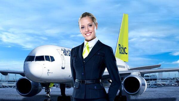 Стюардесса авиакомпании AirBaltic - Sputnik Латвия