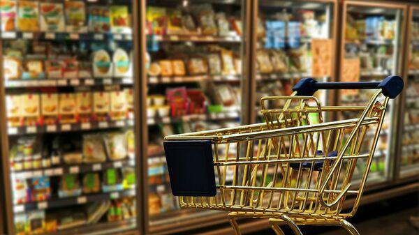 Тележка в супермаркете - Sputnik Латвия