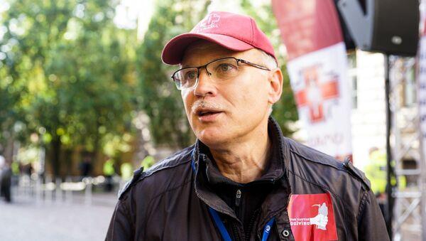 Latvijas Veselības un sociālās aprūpes darbinieku arodbiedrības vadītājs Valdis Keris - Sputnik Latvija