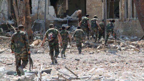 Сирийская армия освободила от боевиков территорию военных училищ в Алеппо - Sputnik Латвия