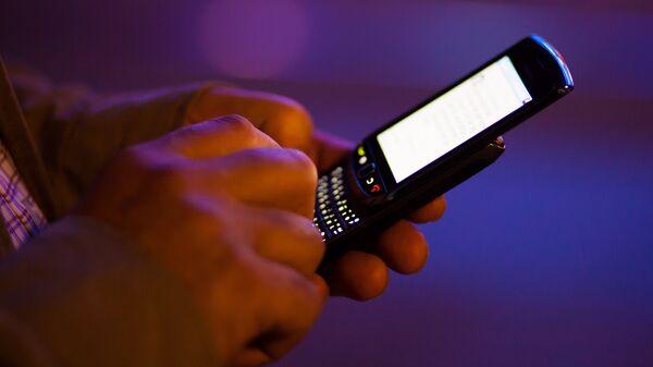 Мобильный телефон - Sputnik Латвия
