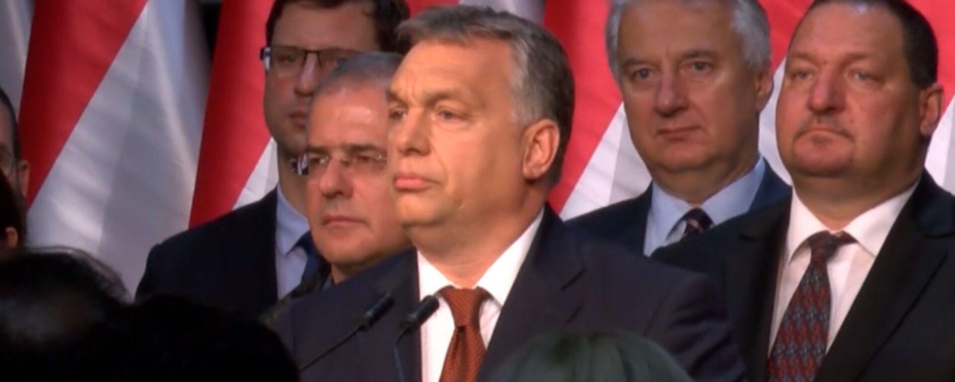 Премьер Венгрии обратился к гражданам после провала референдума - Sputnik Латвия, 1920, 03.10.2016