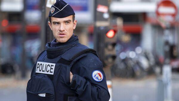 Francijas policijas darbinieks. Foto no arhīva - Sputnik Latvija