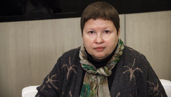 Председатель комиссии Общественной палаты РФ по развитию общественной дипломатии и поддержке соотечественников за рубежом Елена Сутормина - Sputnik Латвия