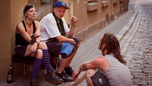 Jauniši uz ielas - Sputnik Latvija