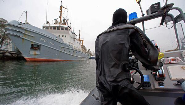 Тренировка пловцов-подводников Балтийской военно-морской базы - Sputnik Латвия