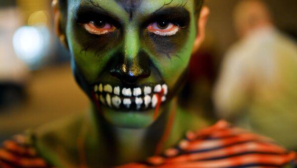 Празднование Хэллоуина в Москве - Sputnik Латвия