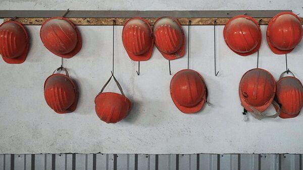Lielākais nereģistrēto strādnieku skaits nodarbināts būvniecības nozarē - Sputnik Latvija