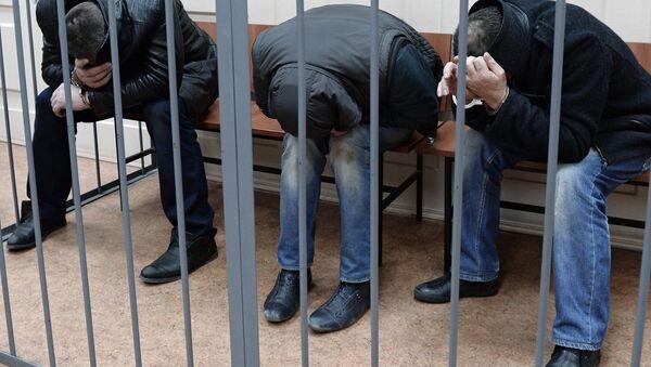 Подозреваемые в убийстве Б.Немцова доставлены в Басманный суд - Sputnik Латвия