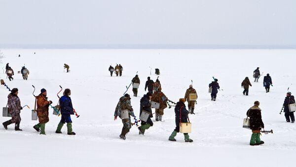 Рыбаки на льду - Sputnik Латвия