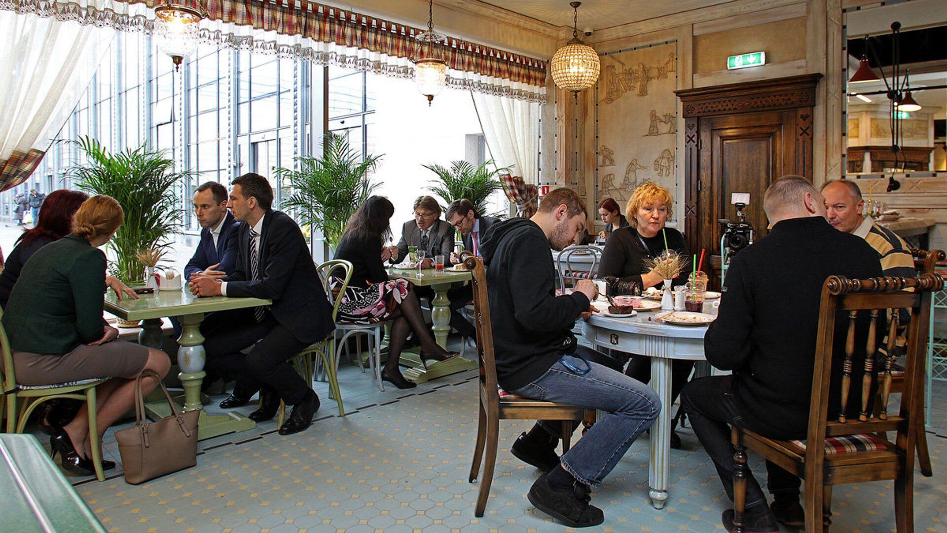 Обеденный зал ресторана Лидо в торговом комплексе Ориго - Sputnik Латвия, 1920, 15.06.2021