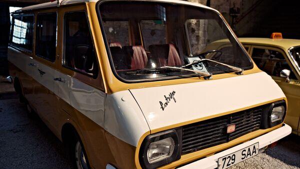 Уникальная выставка ретроавтобусов - Sputnik Латвия