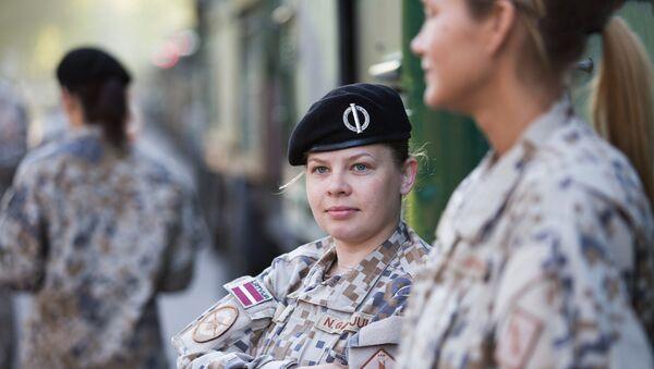 Девушки в армии Латвии - Sputnik Латвия