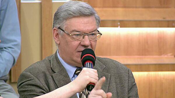 Главный научный сотрудник Института США и Канады Владимир Васильев - Sputnik Латвия