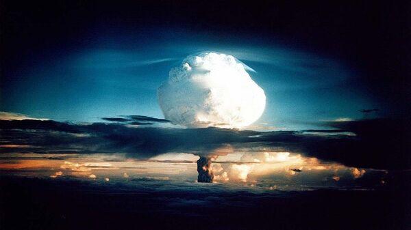 Взрыв ядерной бомбы - Sputnik Латвия