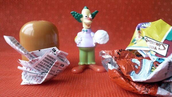 Bērnu rotaļlieta no šokolādes olas. Foto no arhīva - Sputnik Latvija