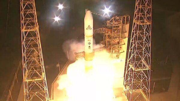 Raķetes Delta IV starts: kadri no starta laukuma - Sputnik Latvija