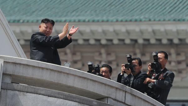 Лидер Северной Кореи Ким Чен Ын - Sputnik Латвия