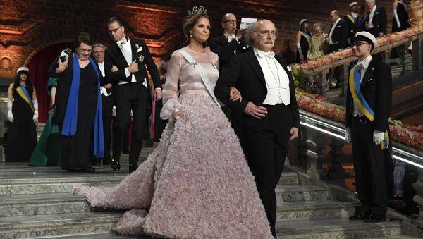 Шведская принцесса Мадлен в платье от Imperial Couture House - Sputnik Латвия