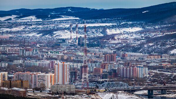 На рассвете понимаешь, что город с трех сторон окружен высокими горами - Sputnik Latvija