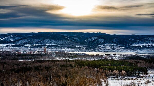 И все-таки самое большое впечатление на жителей равнинной Риги производят вездесущие горы - Sputnik Latvija