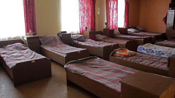 Кровати в приюте для бездомных - Sputnik Латвия