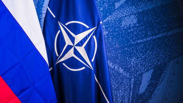 Флаги России и НАТО - Sputnik Латвия