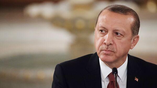 Президент Турции Реджеп Тайип Эрдоган - Sputnik Латвия