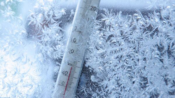 Уличный термометр  - Sputnik Латвия