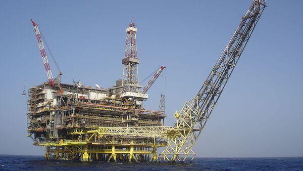 Нефтяная буровая платформа - Sputnik Latvija