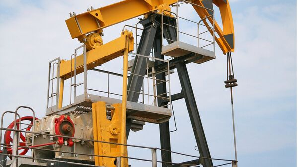 Штанговый насос на нефтяной скважине - Sputnik Latvija