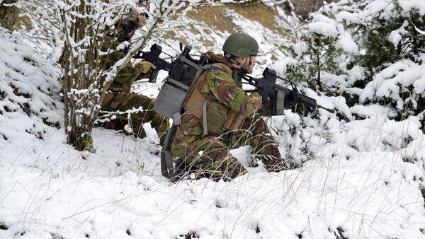 Военные во время учений - Sputnik Latvija
