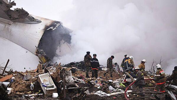 Крушение грузового самолета в Бишкеке - Sputnik Латвия