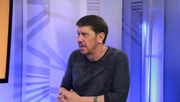 Журналист Олег Лурье - Sputnik Латвия
