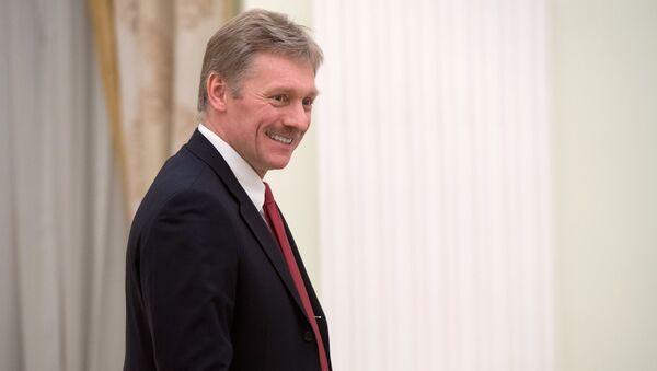 Krievijas prezidenta preses sekretārs Dmitrijs Peskovs - Sputnik Latvija