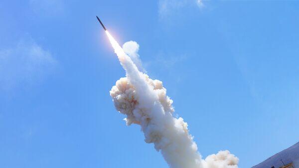 Запуск баллистической ракеты - Sputnik Латвия