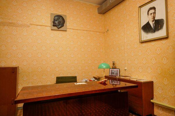 Рабочий кабинет Первого Секретаря ЦК КП Латвийской ССР Августа Эдуардовича Восса - Sputnik Латвия