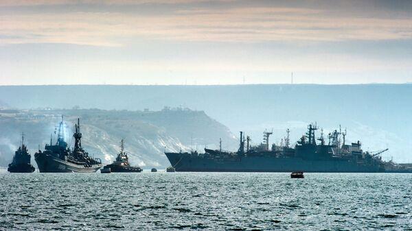 Krievijas Melnās jūras flotes kuģi - Sputnik Latvija